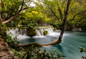 02_Plitvice_Waterfall[1]