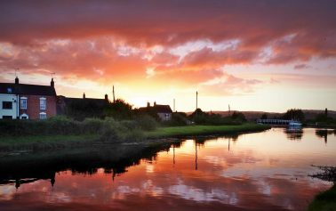 A picture of the sunset at the sharpness & gloucester canal, purton taken by Myk garton with Reflex Camera Club